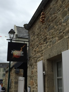 Signpost to the Roscoff Museum