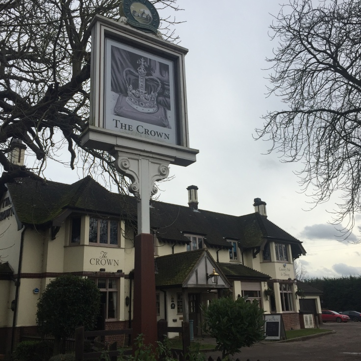 Cosy Crown Traditional English Pub